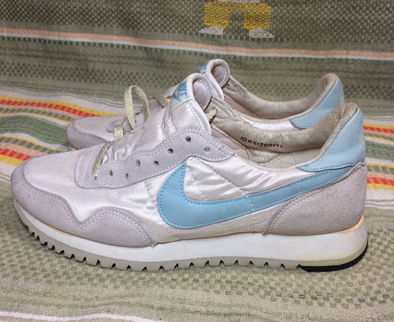5f25ac8a20b deadstock women s 1985 Nike running shoes white light blue swoosh size 10