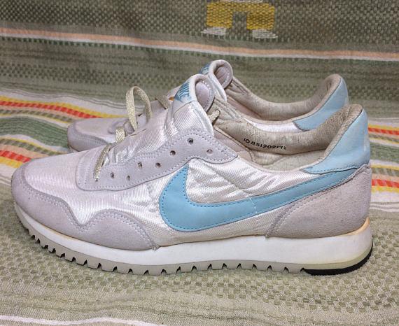 deadstock women's 1985 Nike running shoes white light blue swoosh size 10