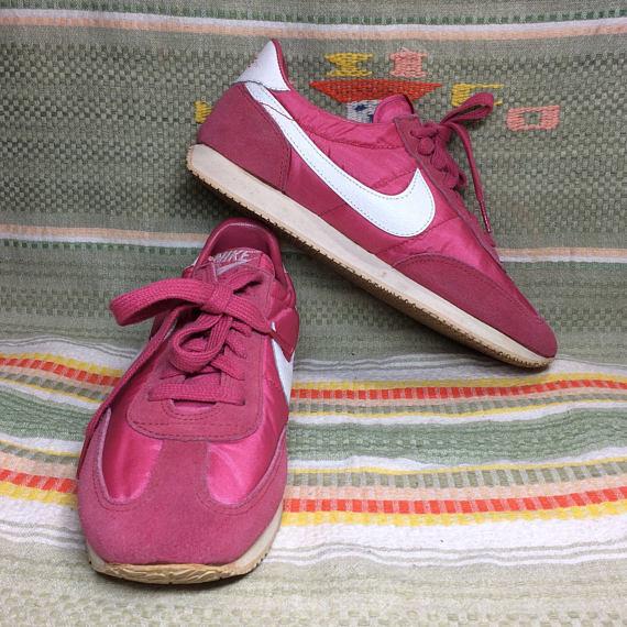 women's 1983 Nike pink Olivia Oceania Sneakers size 10